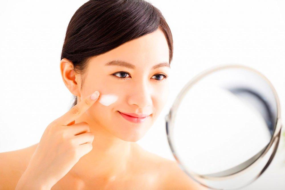 Вся азиатская косметика для красоты лица отбеливает кожу