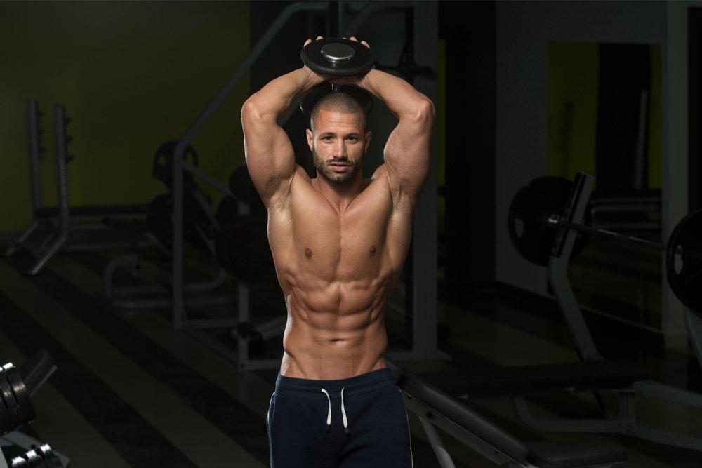 Общие правила фитнес-тренировок с гантелями для трицепсов