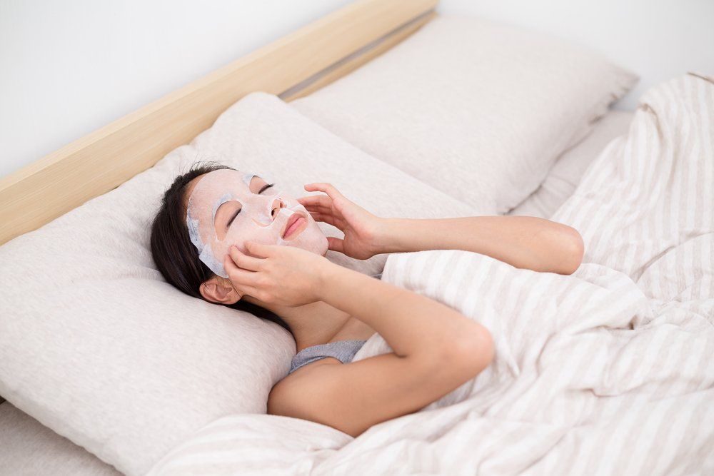 Тканевая маска в домашних условиях