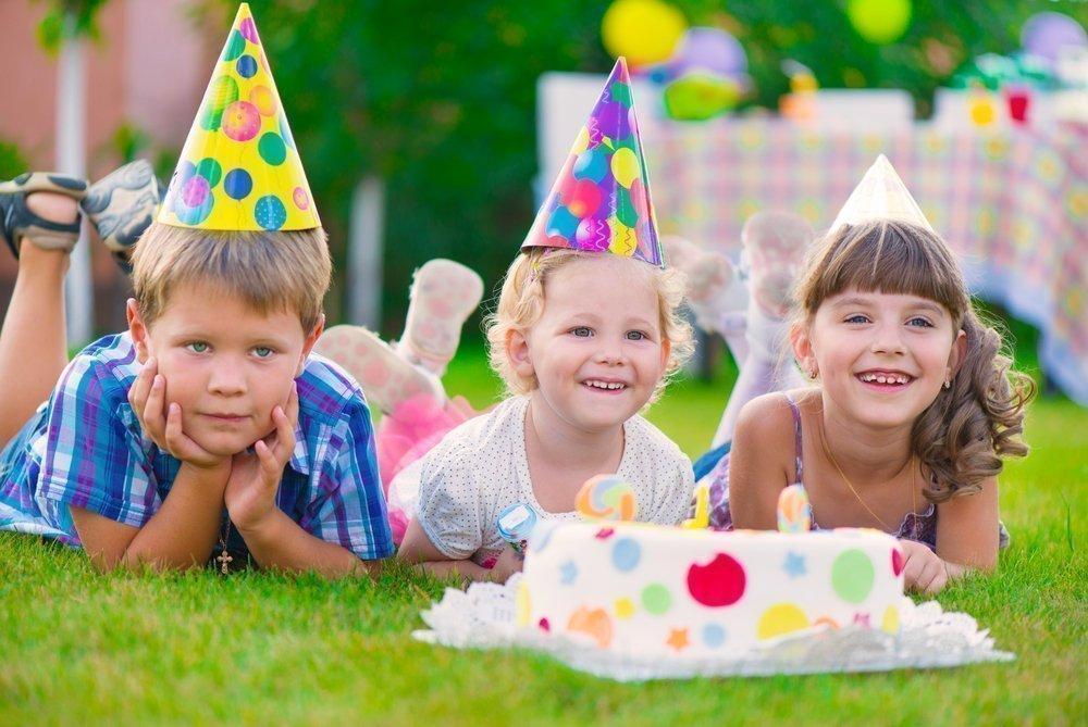 Организовываем праздничный стол для ребенка и его друзей