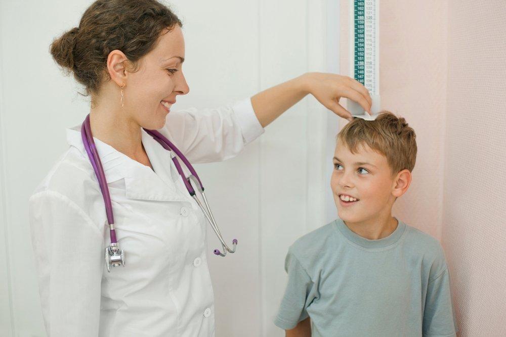 Как проявляется дефицит гормона роста у детей