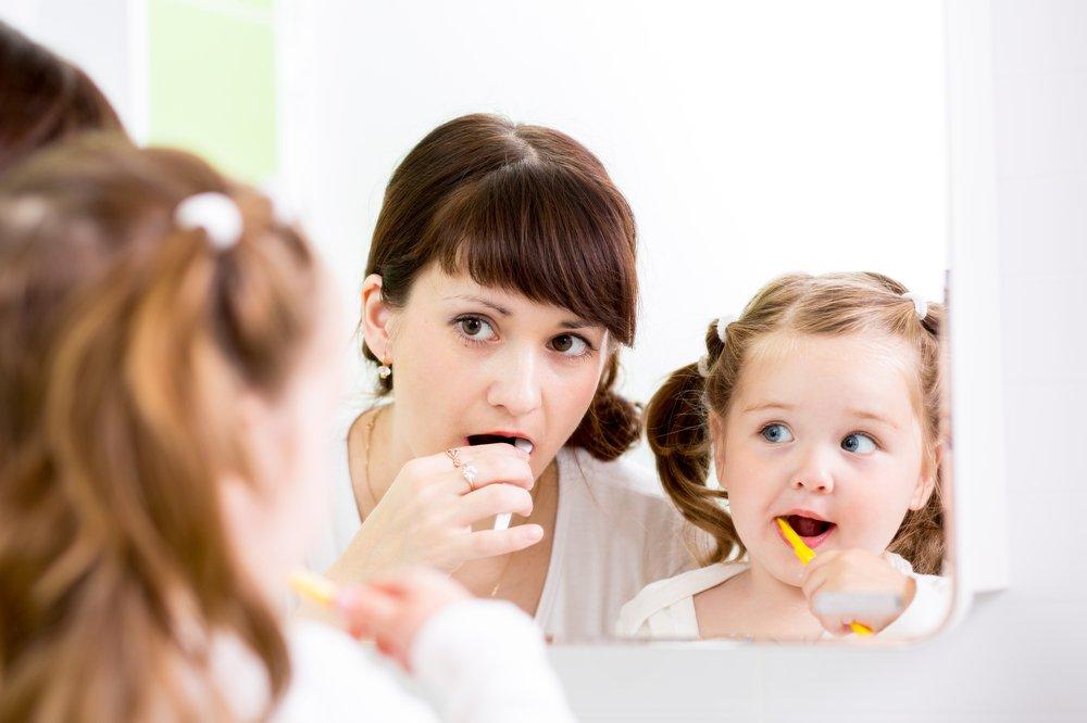 Зачем чистить зубы у детей?