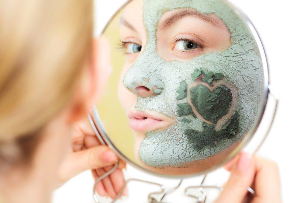 Правила использования «глиняных» масок в уходе за кожей
