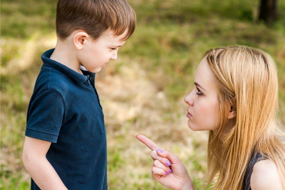 Чем опасно строгое воспитание подростков
