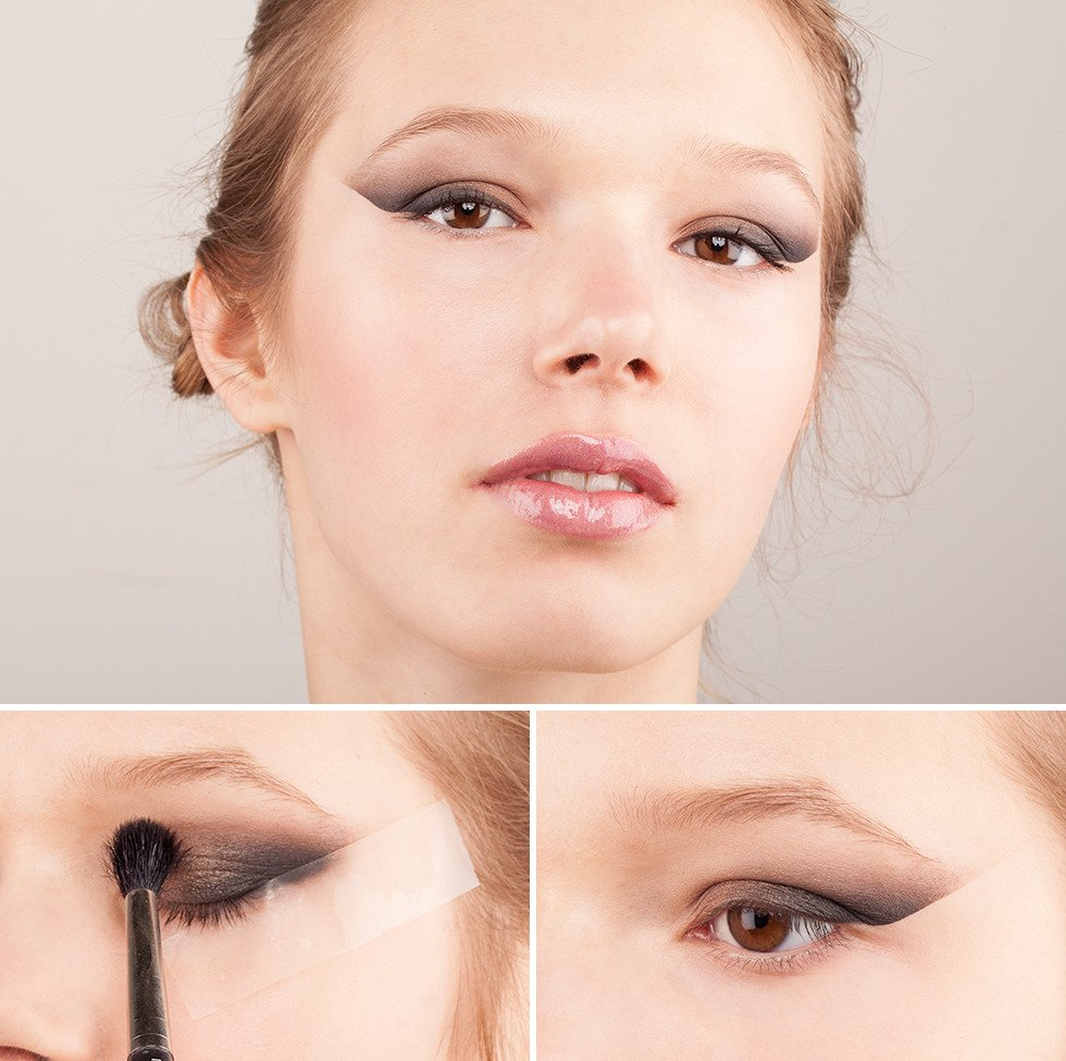Нанести тени в технике smoky eyes Источник: avoskinbeauty.com