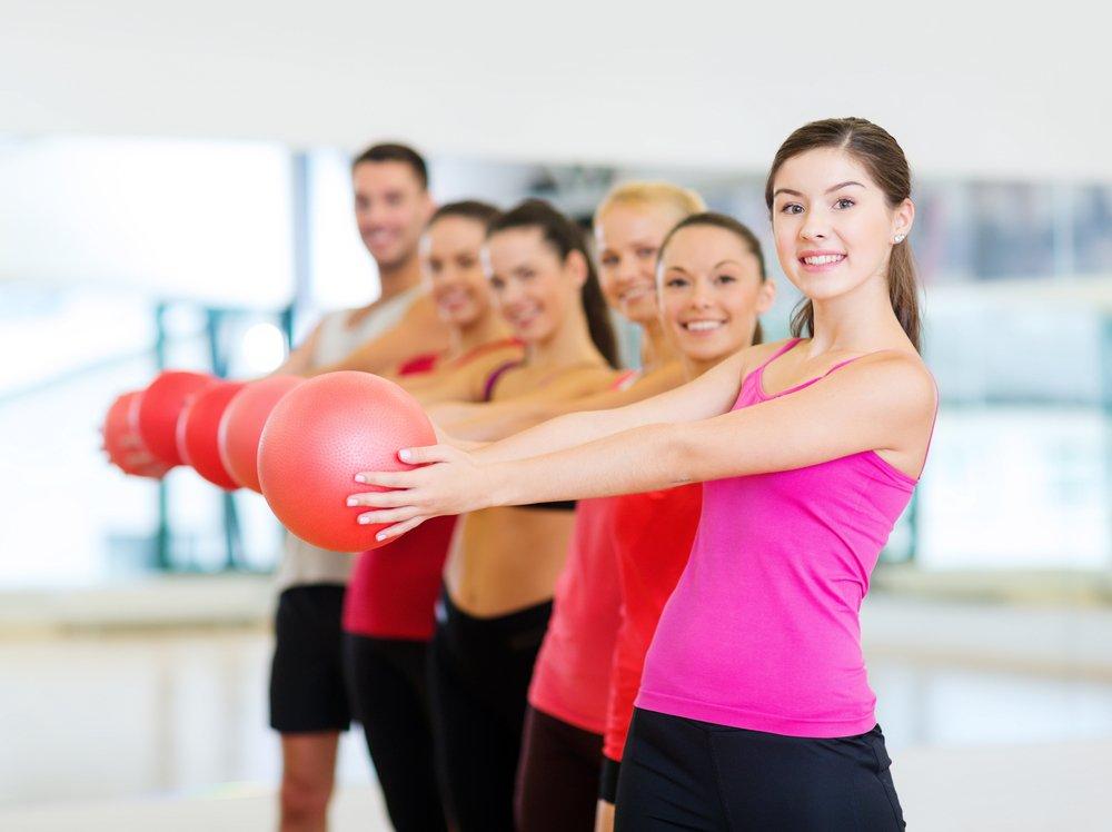 Упражнения для похудения с набивным мячом