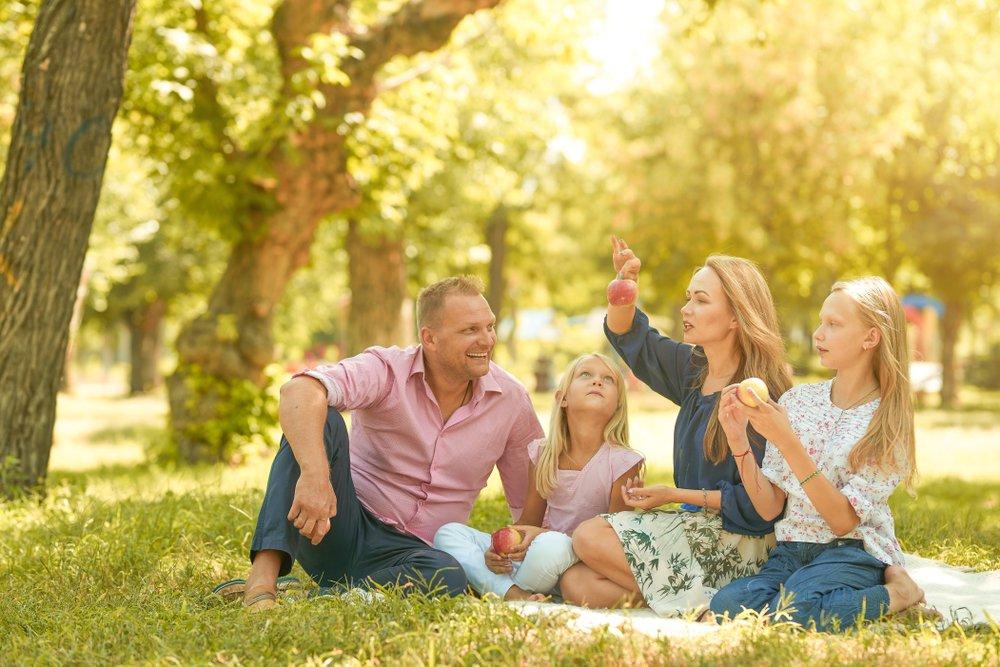 Отдых всей семьей на природе