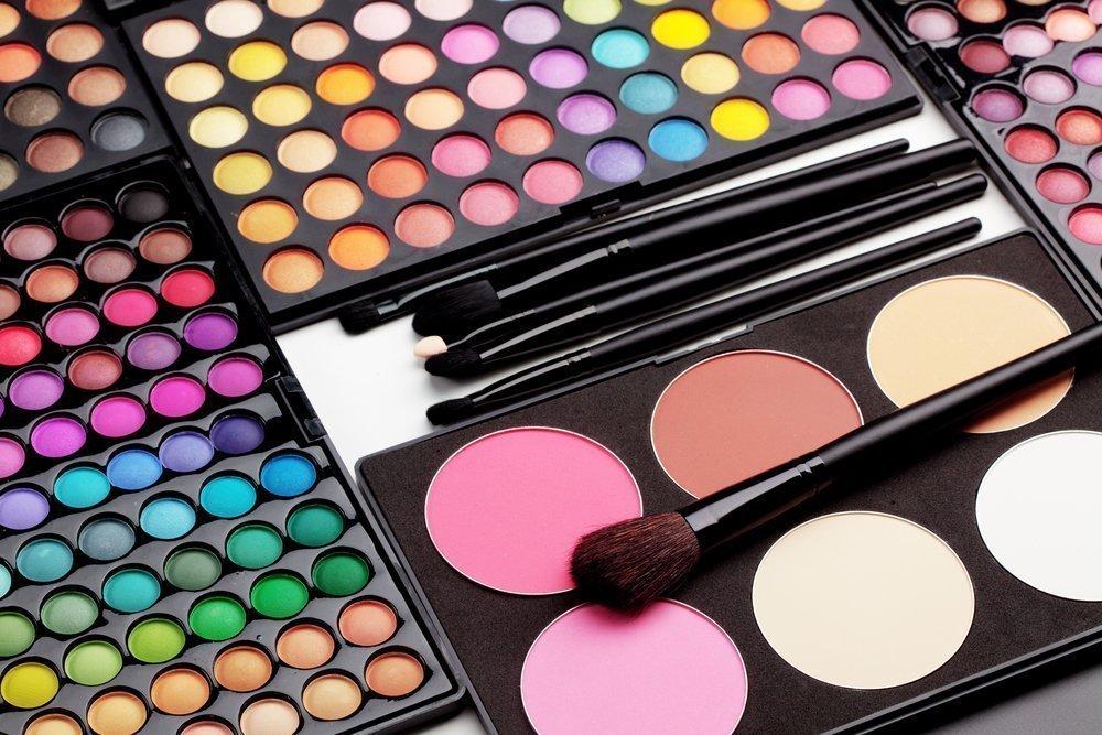 Разнообразьте макияж кремовыми тенями — удобным продуктом для красоты глаз