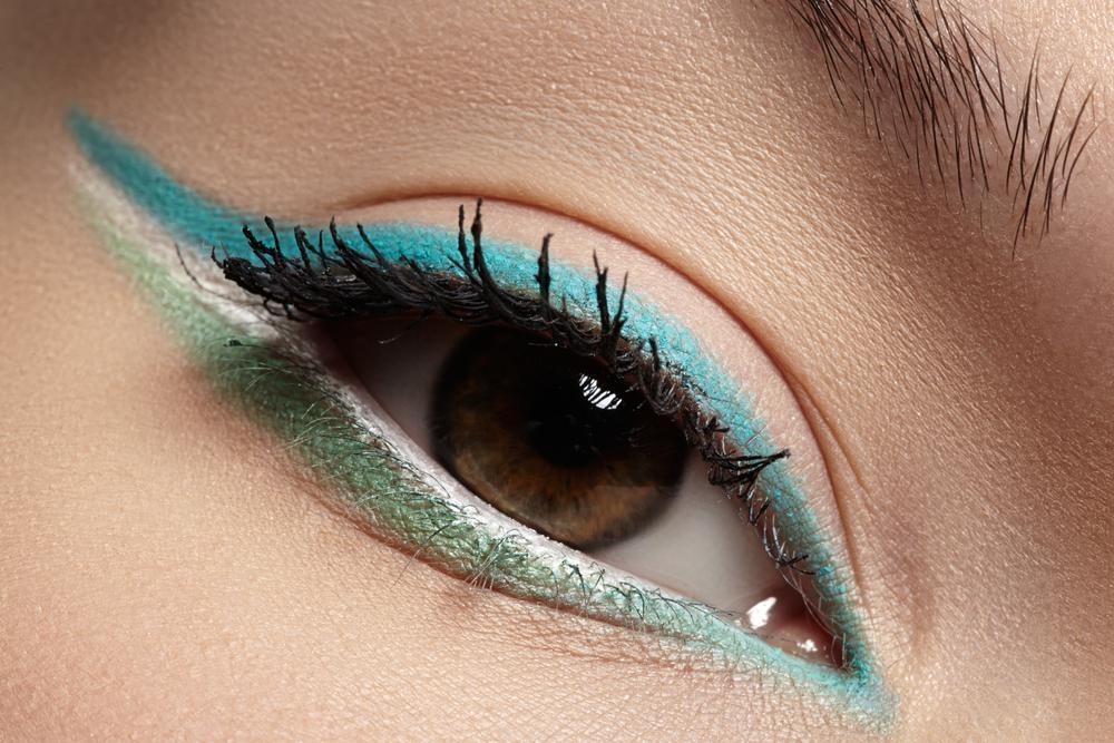 Идеи красивого макияжа с цветной подводкой