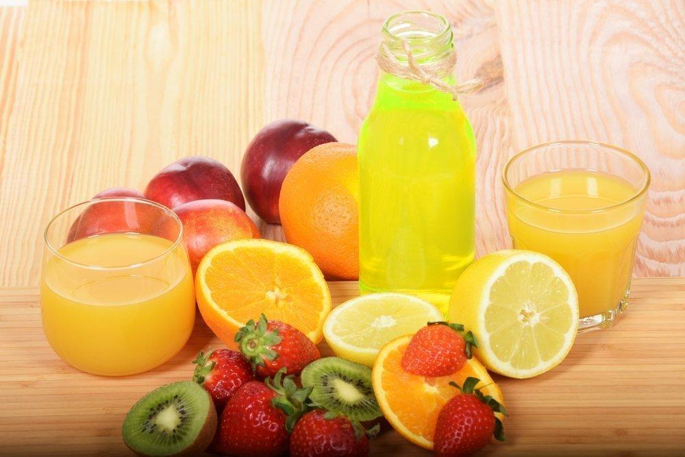 Морс из смеси фруктов и ягод — вишня, яблоко, груша