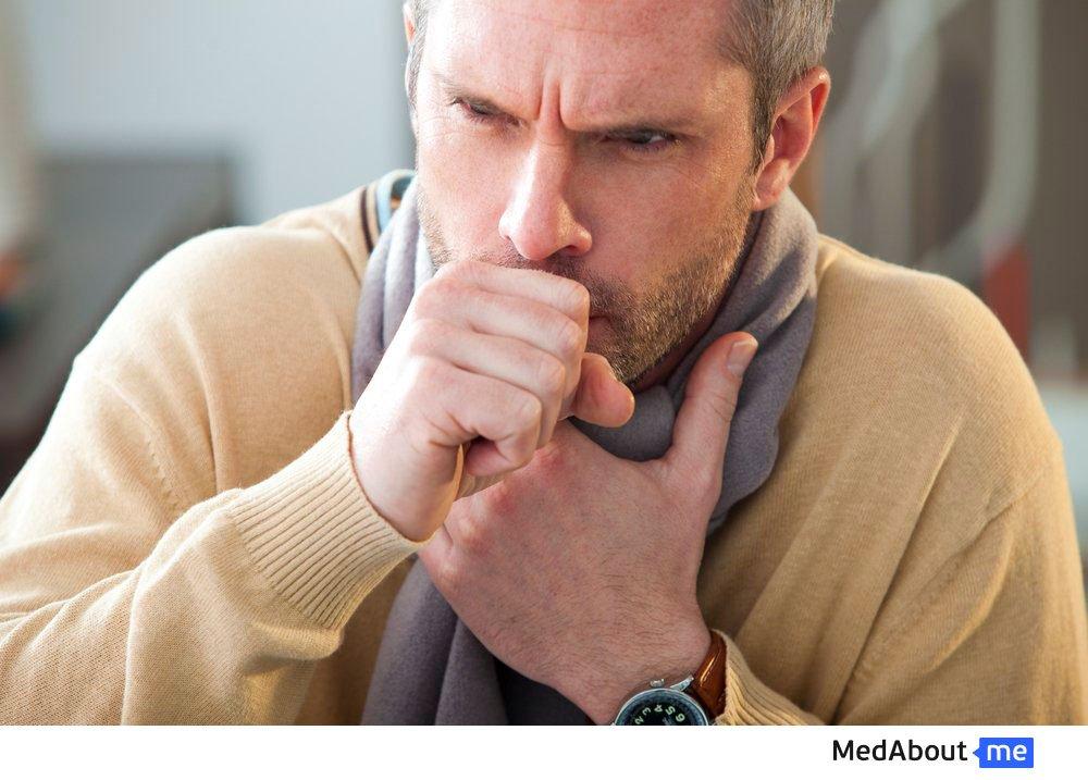 Першение горла и длительный кашель у взрослых