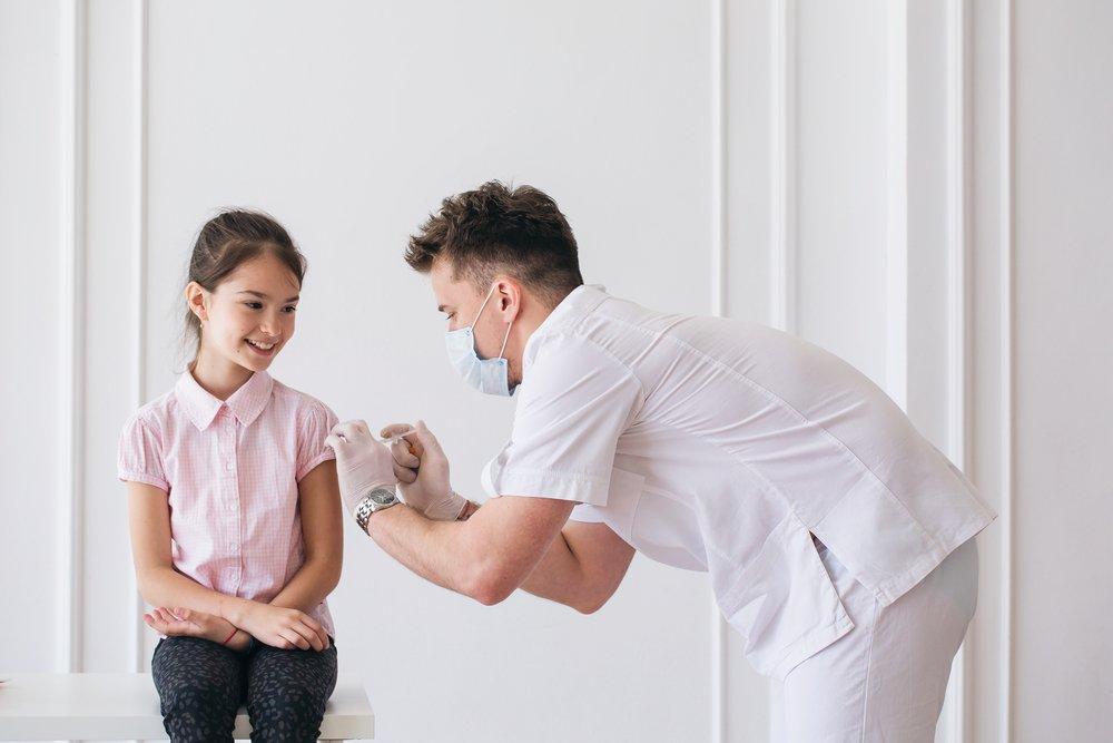 Мнение родителей: после прививки болеют