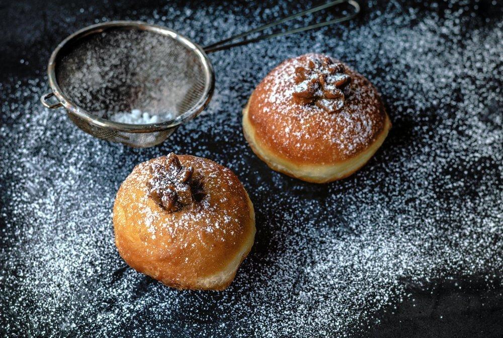 Пончики с клубникой в мультиварке