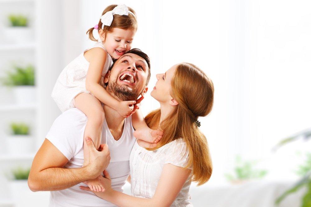 Передача ребенку хорошего настроения