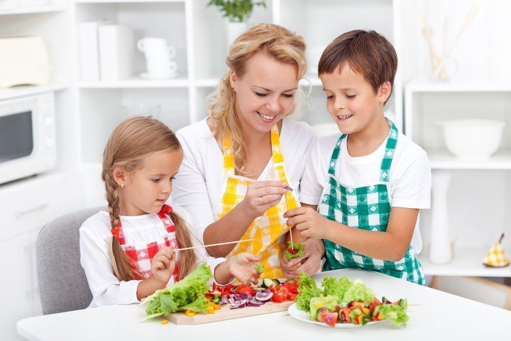 1. Готовьте блюда для детей дома