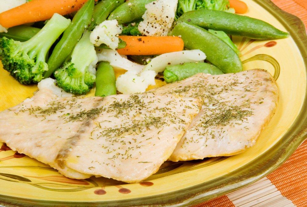Полезные рецепты: филе трески с овощами