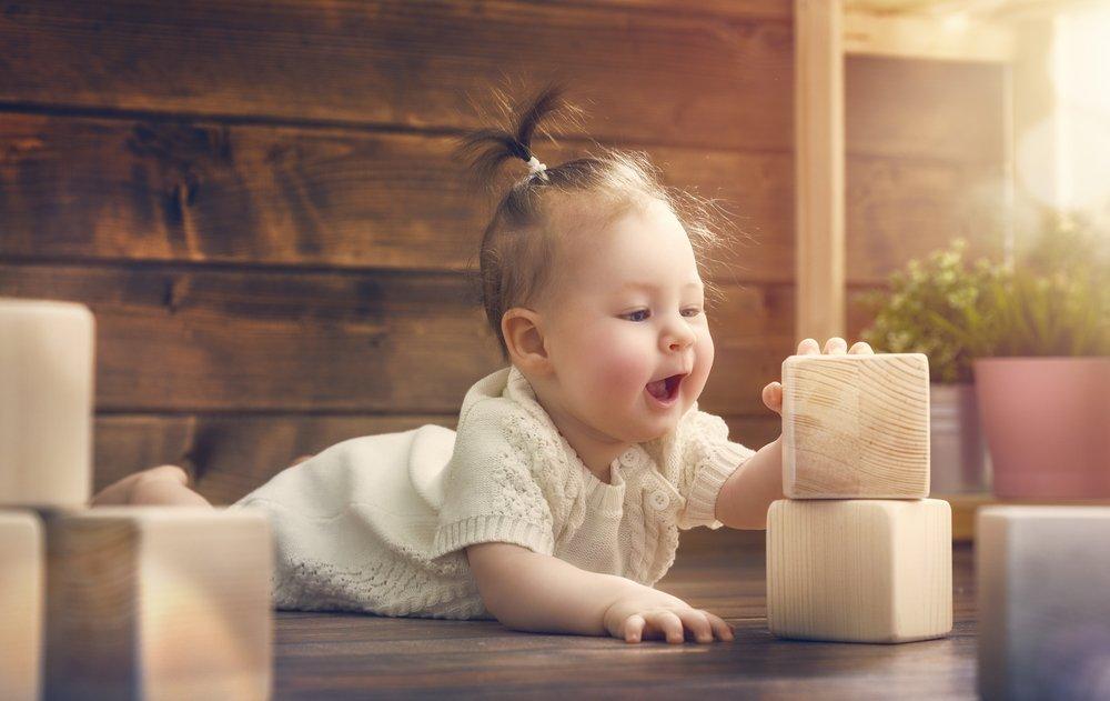 Что уже умеет малыш? Двигательные навыки в полгода