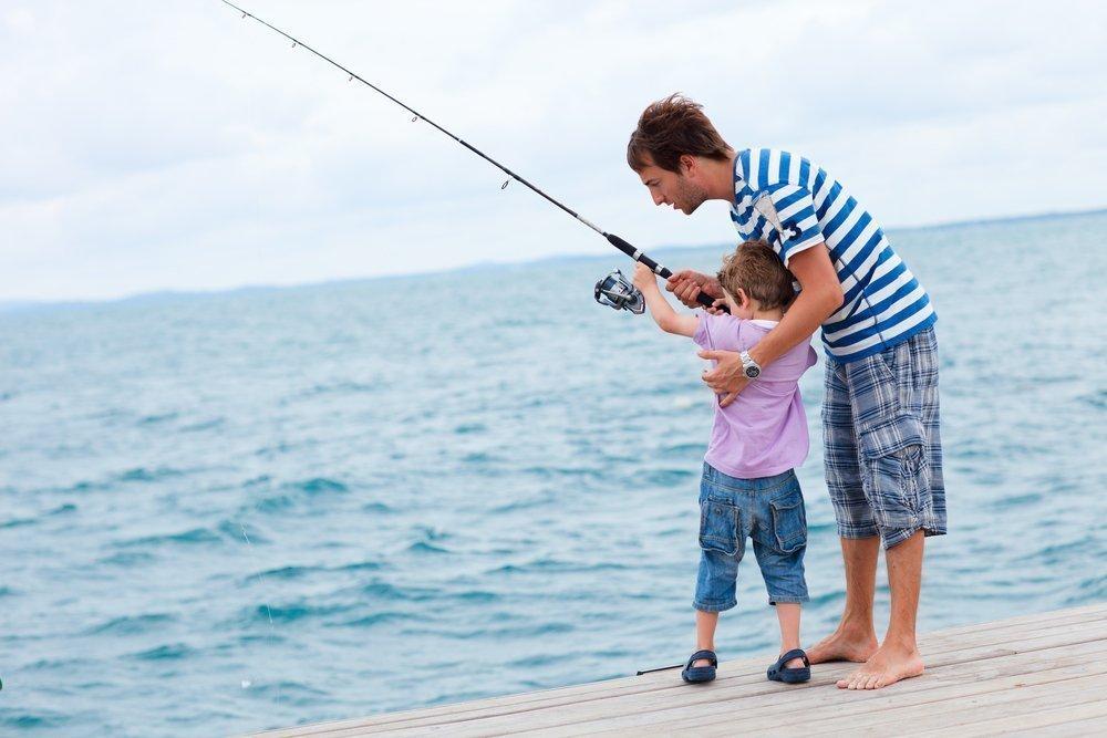 Малыш на рыбалке: преимущества отдыха с удочкой