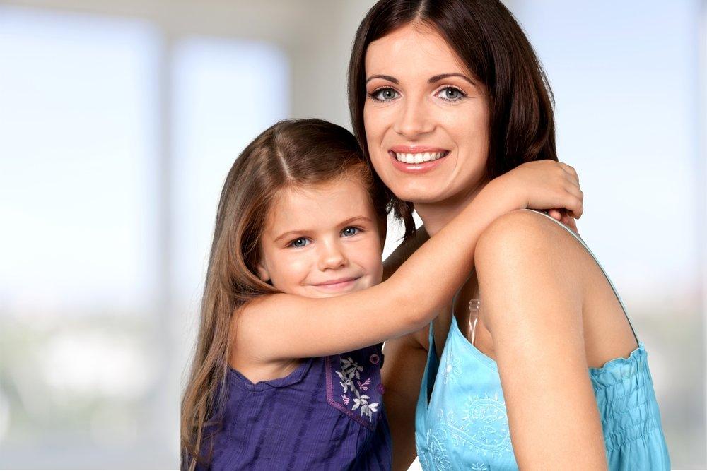 Не осуждайте родную мать малыша и не пытайтесь заменить ее