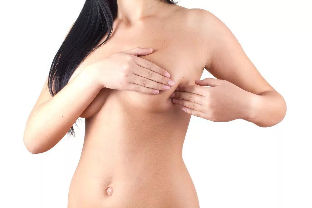 Влияет ли размер груди на количество молока?