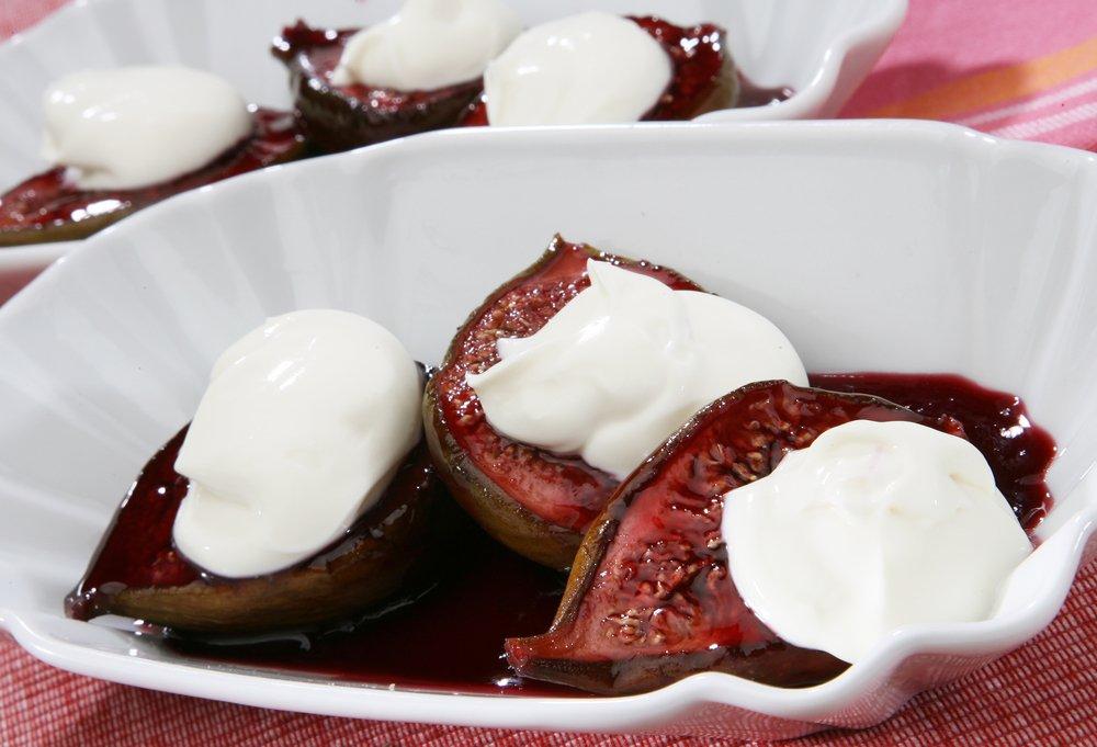 Десерт из инжира и маскарпоне