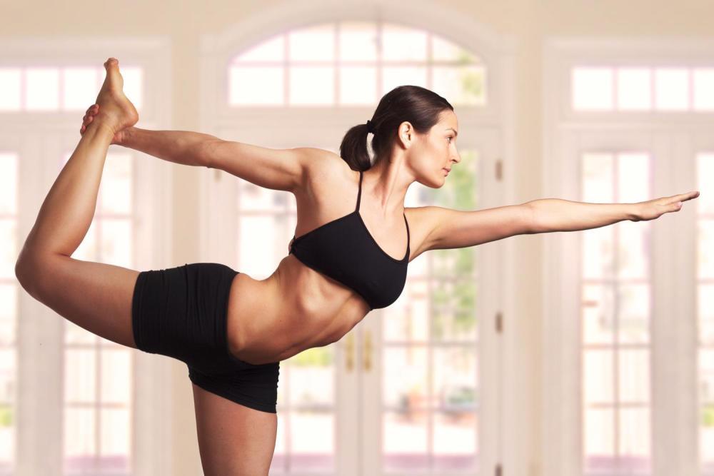 Бикрам-йога: избавляемся от лишних килограммов