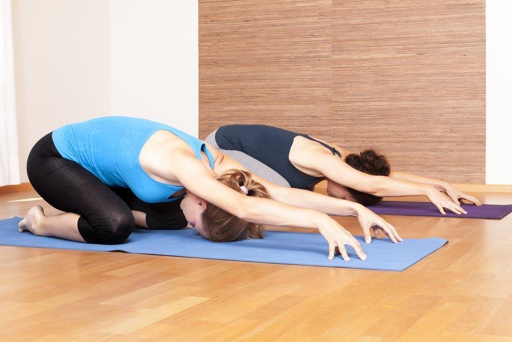 Йога для похудения для начинающих: виды занятий