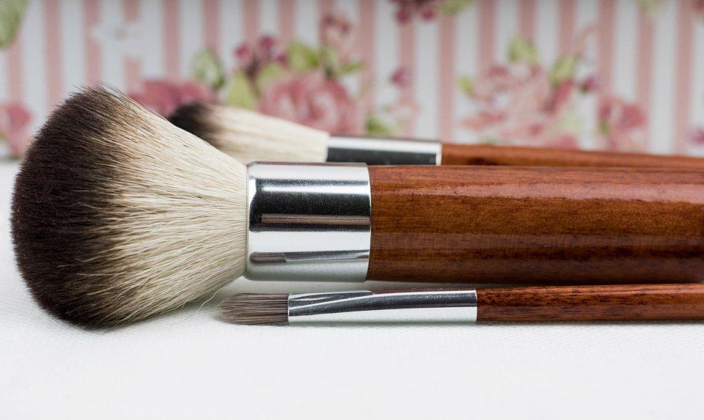 Натуральный ворс: для декоративной косметики сухой текстуры