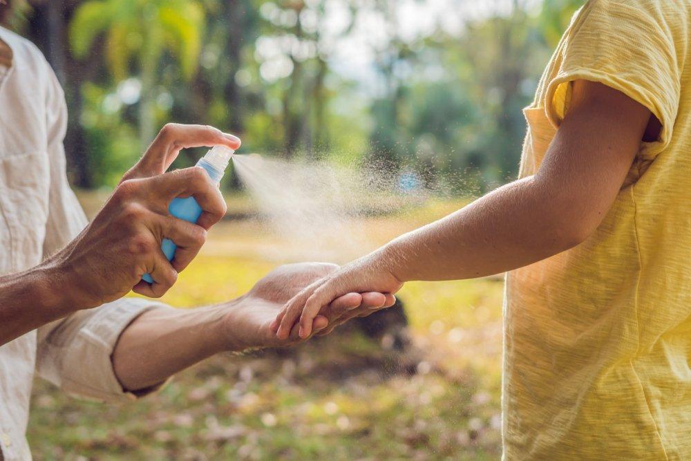 Как защитить кожу от укусов комаров и пчел