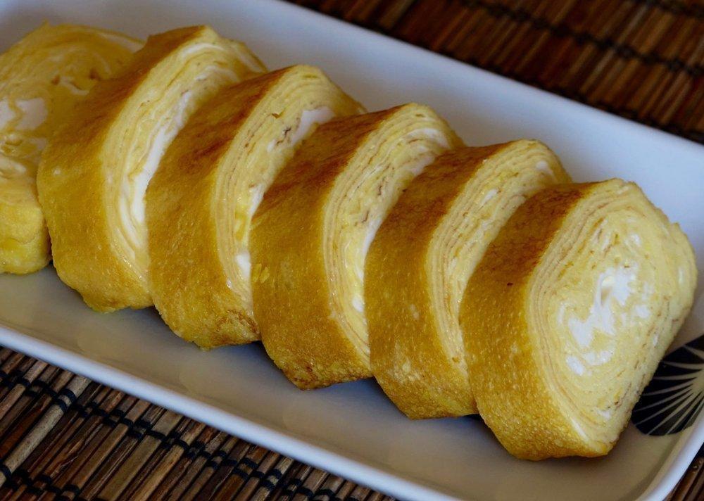 Омлет Тамагояки, Япония Источник: japanesecooking101.com
