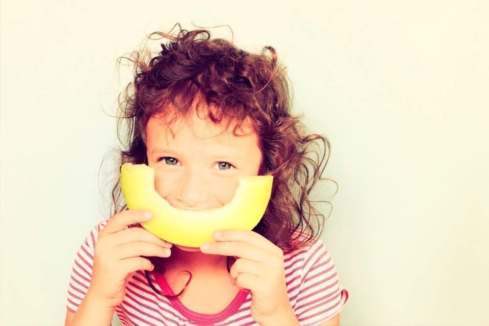 Арбузы и дыни: можно ли их давать ребенку?