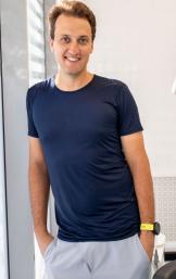 Максим Антосик, стоматолог, имплантолог, челюстно-лицевой хирург, постоянный лектор Российского Стоматологического Общества