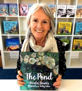 Никола Дэвис, детский писатель, зоолог, работала на канале BBC «Живая природа», автор книги о семье, где растет ребенок-инвалид