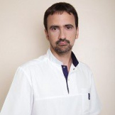 Василий Тарасенко, кандидат медицинских наук, член международного общества эстетических хирургов, заведующий отделением пластической хирургии международной группы клиник МедиЭстетик (Санкт-Петербург)