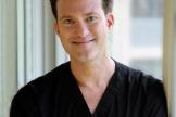 Доктор Алан Бауман, ведущий специалист по восстановлению волосяного покрова США