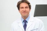 Доктор Деннис Гросс, дерматолог