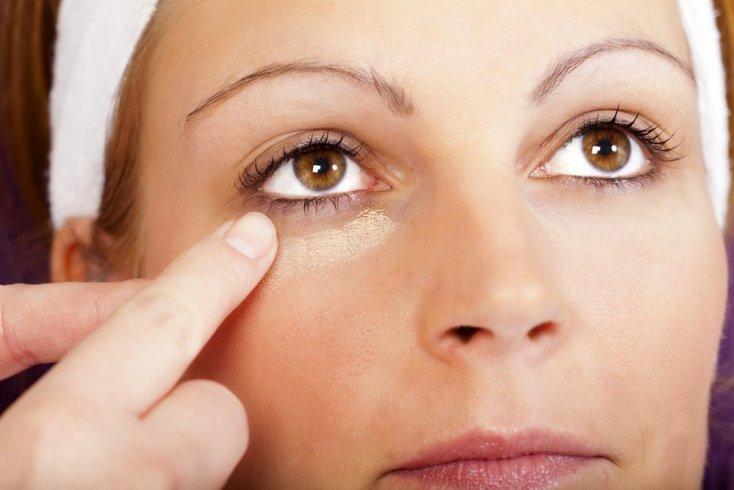 Секреты красоты глаз в регулярном питании и увлажнении