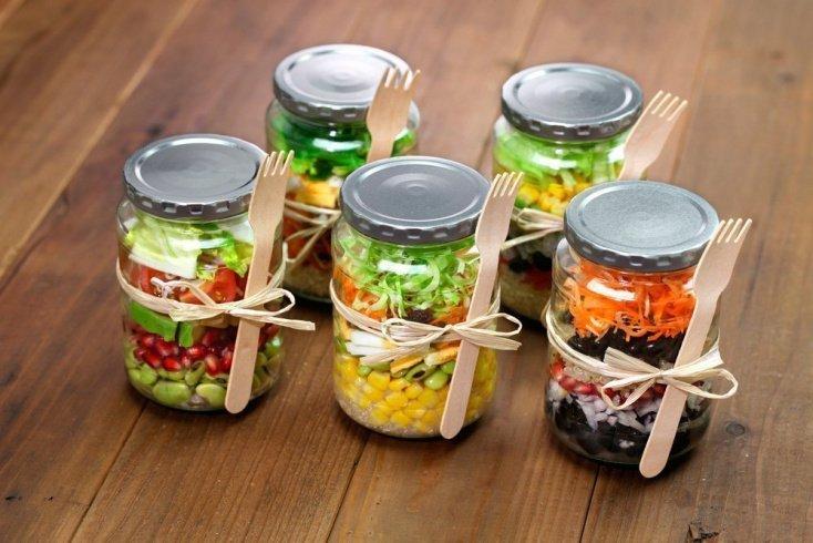 Рецепт Jar-салата из капусты с соусом «Песто»