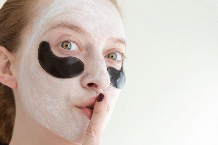Уход за кожей: как правильно наносить увлажняющие маски?