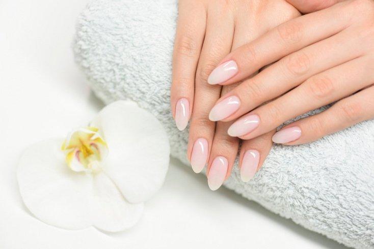 9. Стресс может остановить рост ногтей
