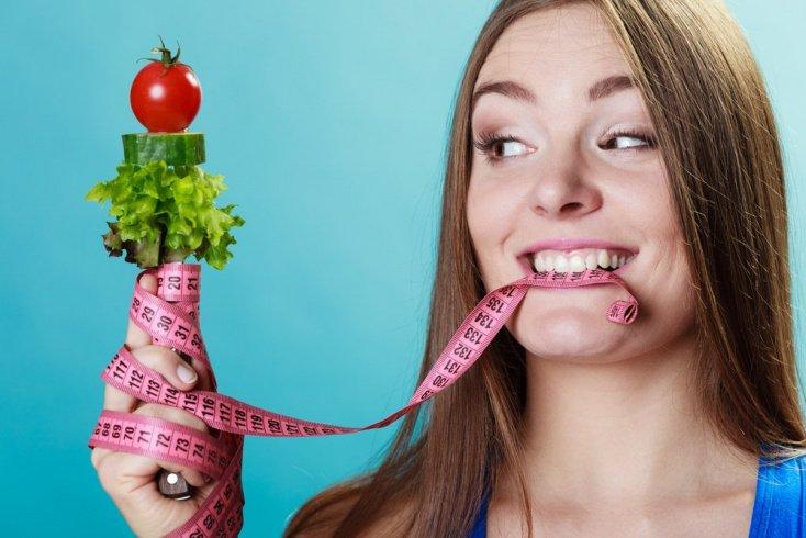 Белки и витамины: рацион худеющего человека