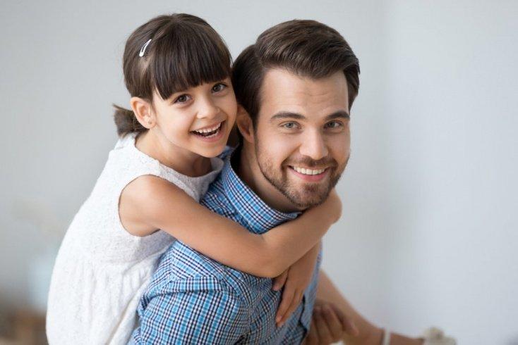 Зачем мать и отец хотят дружить с детьми?