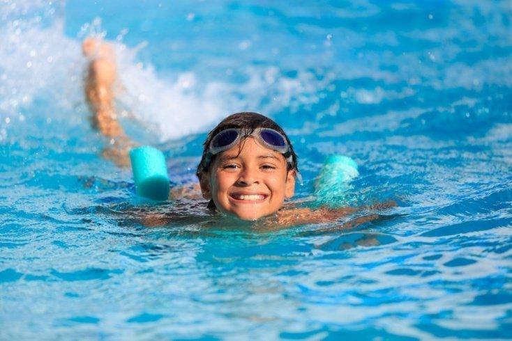 С какого возраста бассейн можно посещать детям?