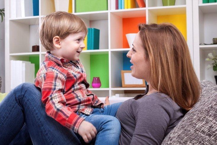 Как происходит коммуникативное развитие ребенка