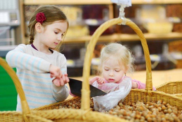 С какого возраста вводить в питание орехи: советы педиатров