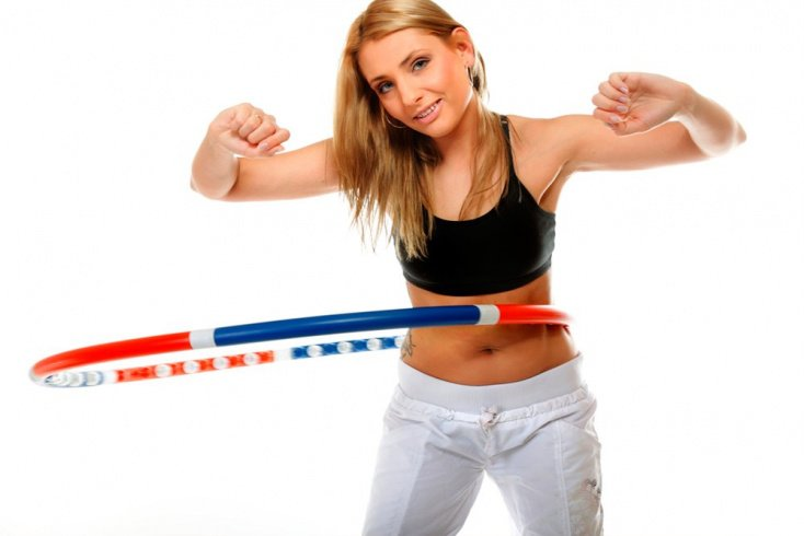 Упражнения с обручем для тонкой талии