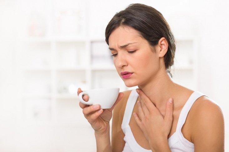 Как быть, если першит горло при простуде