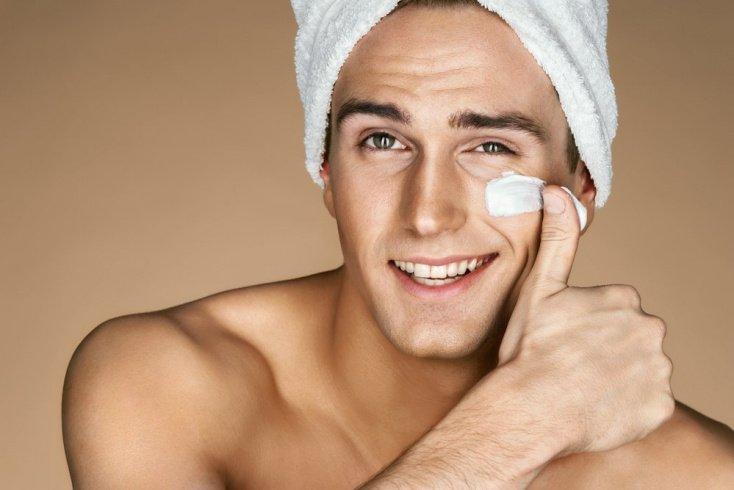 Миф 2: У мужчин кожа толще и плотнее, поэтому крем ей не нужен