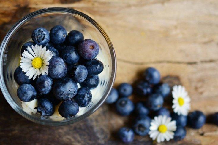 Ягоды и фрукты — основа сладкого блюда
