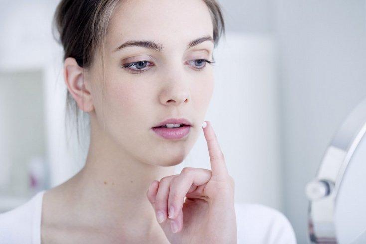 Заеды в уголках губ и воспаленная кожа